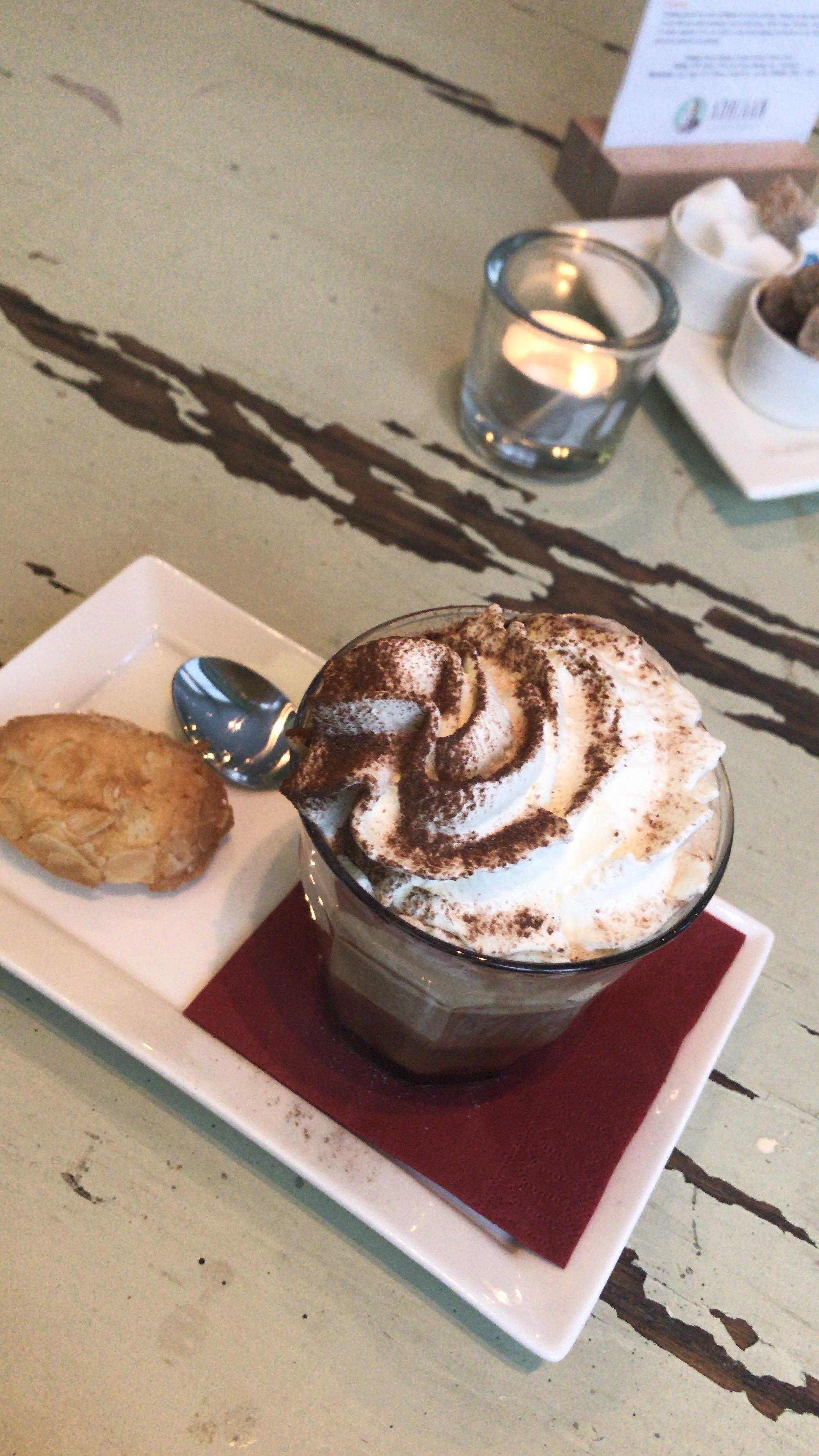 COFFEEBAR ADRIAAN - KOFFIE